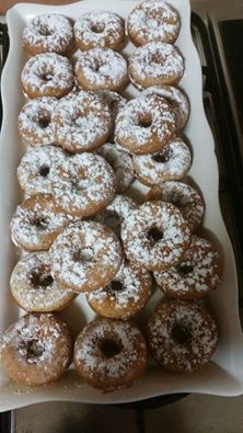 דונאטס תפוחי עץ וקינמון /  מלי צ'רנורדסקי